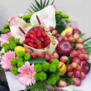 Букет с цветя и плодове NV698