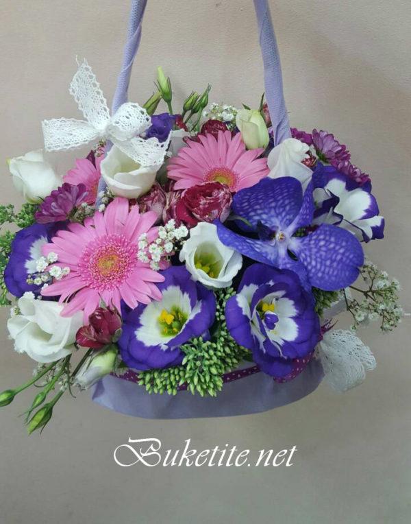 Дамска чантичка от цветя