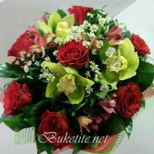 Букет с рози, орхидеи, астромерия и добавки
