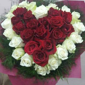 Букет сърце от рози