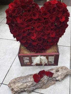 Сърце от рози F032